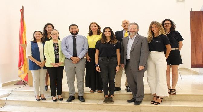 Representantes de la Expedición junto a autoridades de la Embajada de España, MEPYD y Oficina de Cooperación Española.