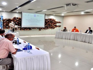 El director ejecutivo del INDRHI, Olmedo Caba Romano, durante su intervención en el taller de inicio del estudio en la cuenca del río Yuna.