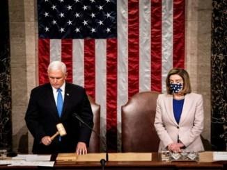 El vicepresidente Mike Pence certificó la victoria de Biden junto con Nancy Pelosi, líder de la Cámara de Representantes.