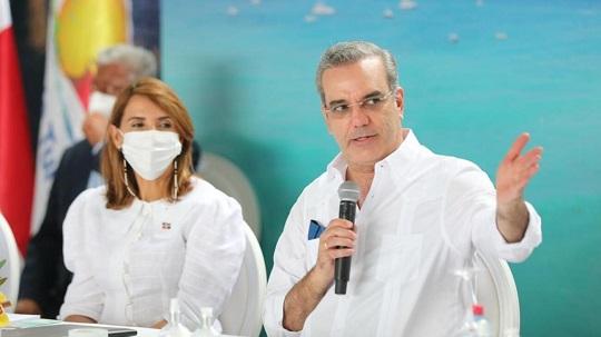 Los senadores, diputados, gobernadores y alcaldes agradecieron al presidente Luis Abinader las inversiones en las obras que se están llevando a cabo
