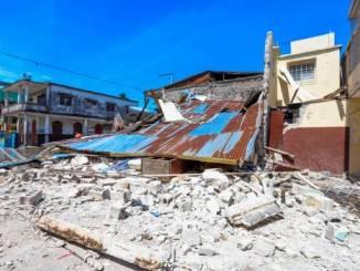 Efectos del sismo de 7,2 grados del sábado en Los Cayos (Haití).