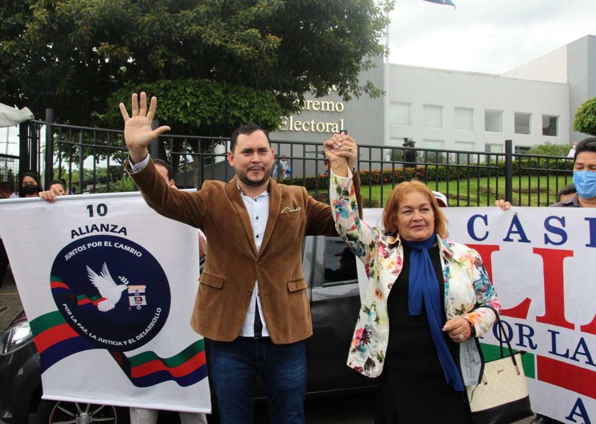 APRE: Gerson Gutiérrez y Claudia Romero.