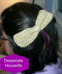 Big Crochet Bow Hair Clip {diy}