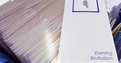 seahorse-wedding-invitations-pocket-fold