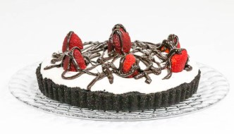 Chocolate Strawberry Tart is a delicious way to indulge in your favorite berries. Easy chocolate ganache layer, too.