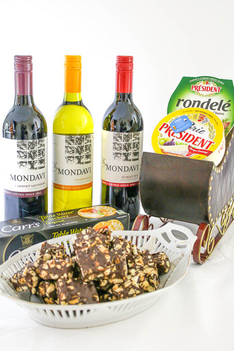 Chocolate Cashew Bar pairs beautifully with CK Mondavi's wines as well as Président® Brie and Rondelé® cheese. You are set to have a fab party!