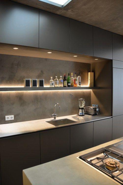 étagère pour mettre en valeur sa cuisine étagère lumineuse