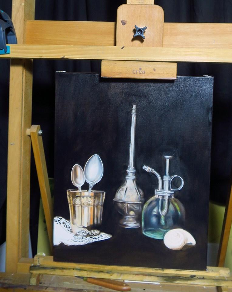 Peinture en cour, nature morte, argentier et verre