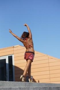 Jessica-Ajayi-Strand-Bikini-06