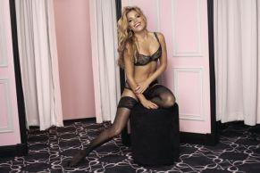 Sylvie van der Vaart Sexy comes in all Shapes 007