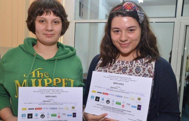 Cele doua câstigatoare ale locului inti:Aiysha Parviez si Anais Hristea