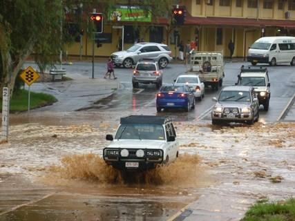 Jour 181 : Arrivée à Alice Springs… sous une pluie diluvienne !