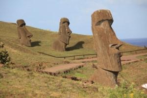 Jours 267 à 270 : L'île de Pâques (2/2) et ses «Moai», enveloppés de mystères…