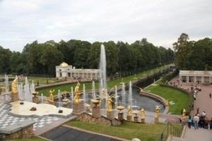 Jour 5 – Excursion a Peterhof : un grand jardin avec plein de jets d'eau !