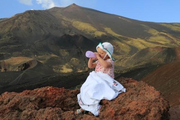 P'tite pause biberon sur l'Etna... what else ?