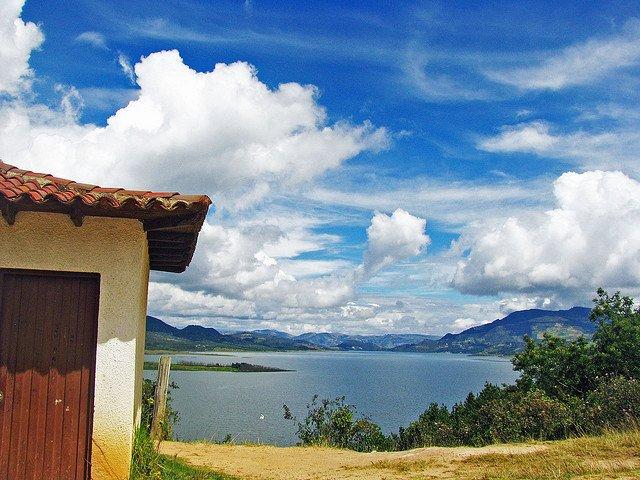 La lagune de Guatavita, un lieu historique légendaire.