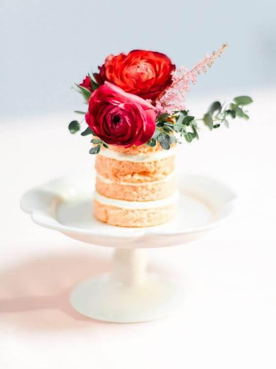 Single serve wedding cake