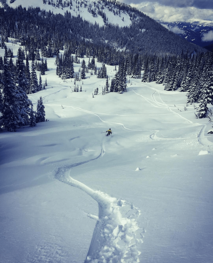 Destination Addict - Fresh tracks skiing in Whistler, British Columbia, Canada