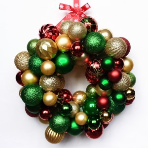 Dollar Tree Ornament Wreath (1)