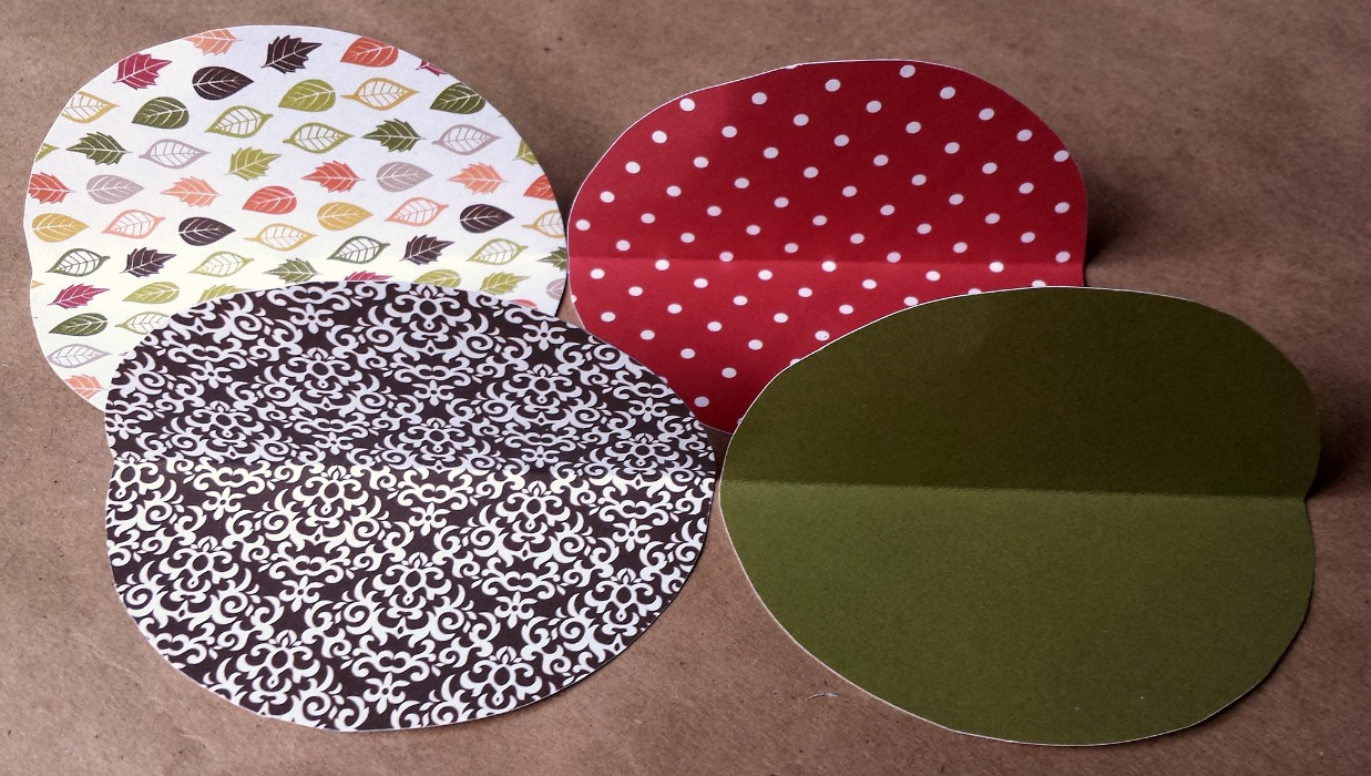Scrapbook paper envelope - 7 Circles For Circle Envelope Folded