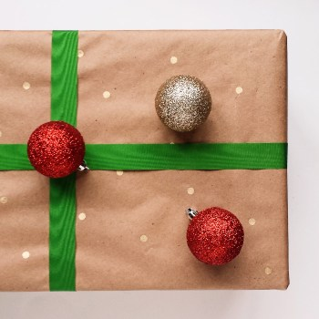How to Make Your Own Polka Dot Wrapping Paper