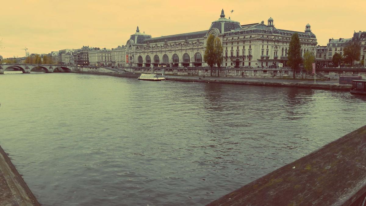 Musée de l'Orangerie from the bridge
