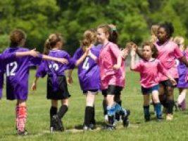 girl showing good sportsmanship