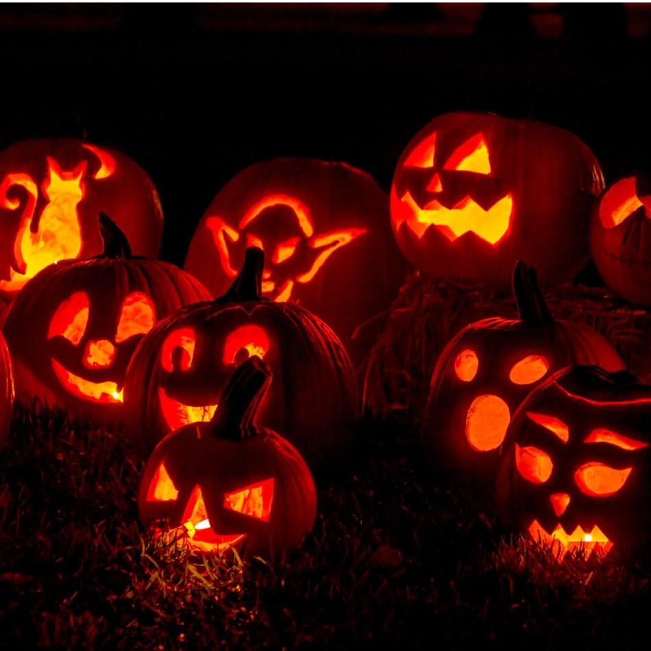 lighted-halloween-pumpkins