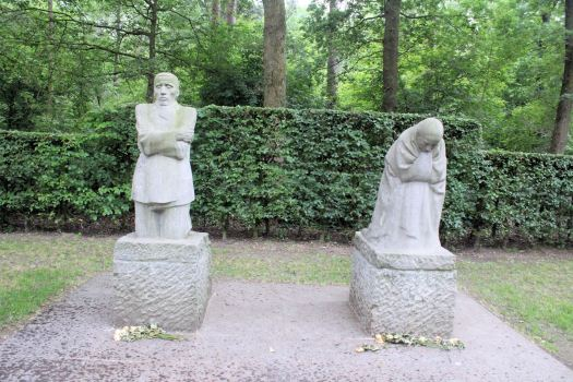 Grieving Parents by Käthe Kollwitz,