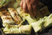 Les tamales sont une préparation culinaire andine à base de maïs
