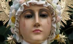Fecioara-Maria-a-apărut-într-un-satuc-Fecioara-Maria-din-La-Salette