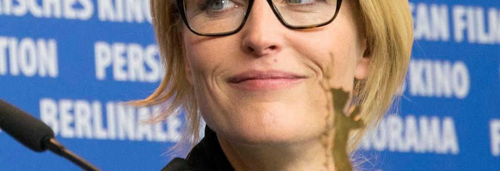 Gillian Anderson despre dragoste cu extratereștri