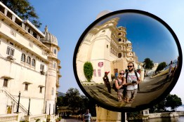 selfie in the mirror at city of palace