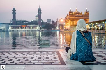 Lovely Courtney contemplate at the Golden Temple