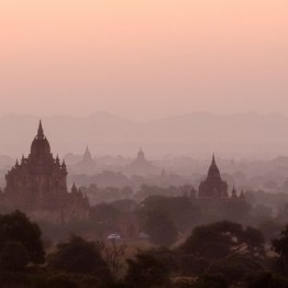 Soft colors in the sky of Bagan