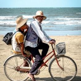 The Chaung Tar beach photographers