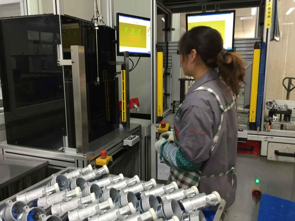 Fabricantes chineses e linha de produção
