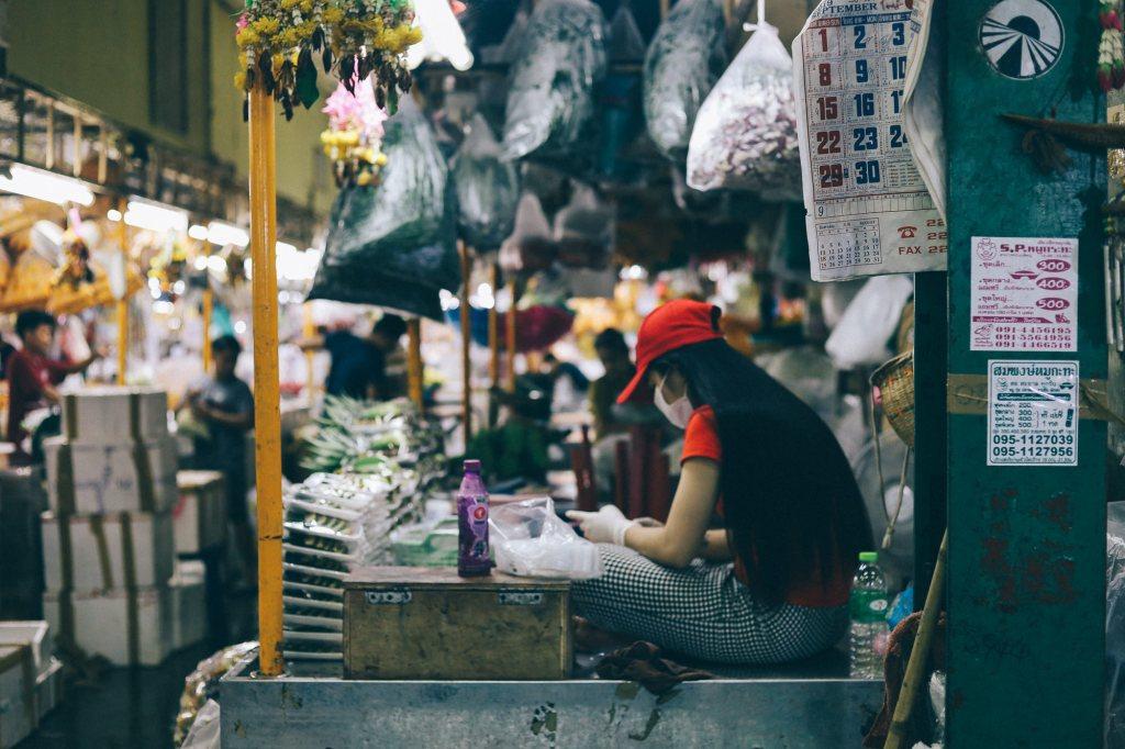 3 passos para começar importar Moça em seu stand em feira da China
