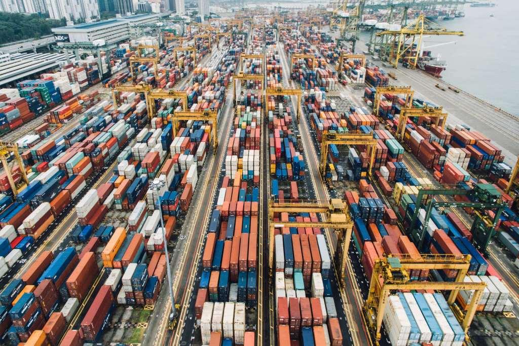 Entenda o que seu cliente quer Containers em porto