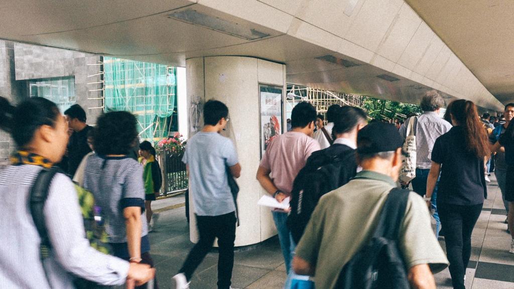 Canal Cinza Aglomeração de pessoas na China