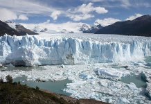 Glaciar Perito Moreno. Autor: Luca Galuzzi sob licença Creative Commons Atribuição-Partilha nos Termos da Mesma Licença 2.5 Genérica
