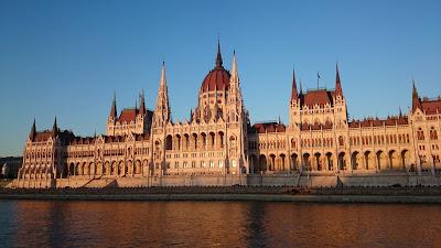 BUDAPESTE – Passeio de barco pelo Rio Danúbio