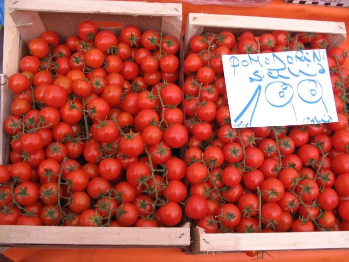 Tomatinhos em ramas, pomodorini da Sicilia