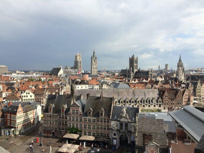 Vista de Ghent do alto das torres do Castelo do Conde