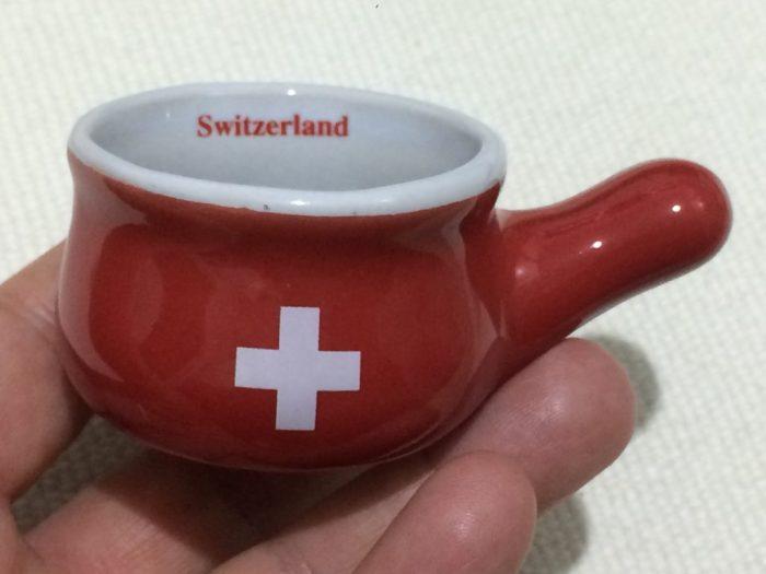 Panelinha de fondue que veio com chocolates, comprada em Lugano, Suíça
