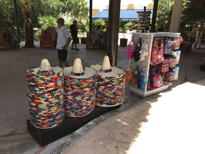 Tulum - Comércio típico e colorido