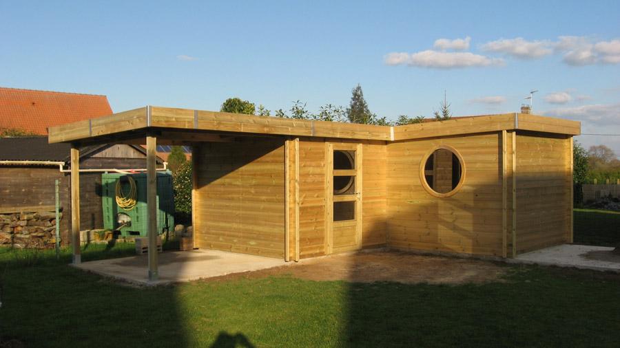 Un abri de jardin moderne au toit plat pour votre for Abri de jardin bois toit plat