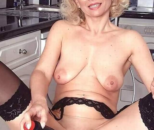 Amateur Mature Nude Thumbs
