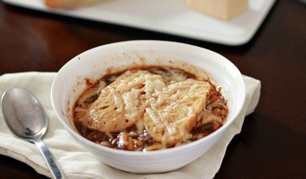 french onion soup, slow cooker soup, healthy slow cooker recipes
