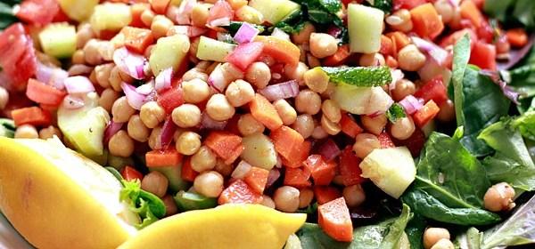 Indian-Garbanzo-Salad-Summer-DSM-2